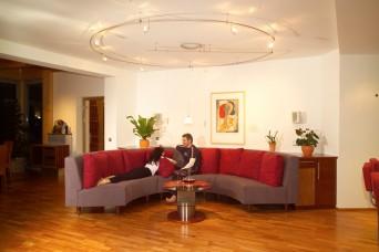32-Wohndesign-Wohnzimmer-Designmobel-1-3